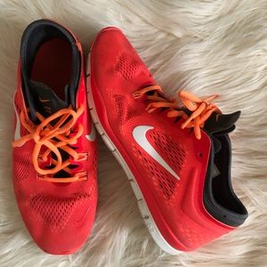 Nike Womens Shoes Sz 9.5